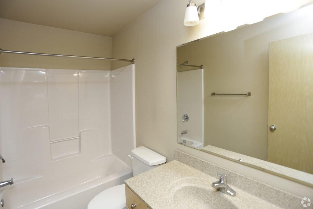 Best Steeples On 36Th For Lease In Grand Forks 2 Bedroom And 3 Bedrooms 1 Level Townhouse Pet With Pictures