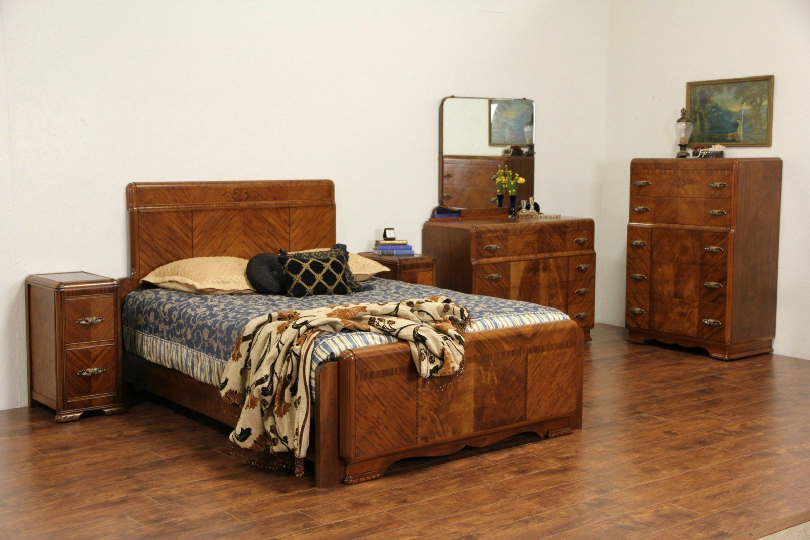 Best Sold Art Deco 1930 S Queen Size Waterfall 5 Pc Bedroom With Pictures