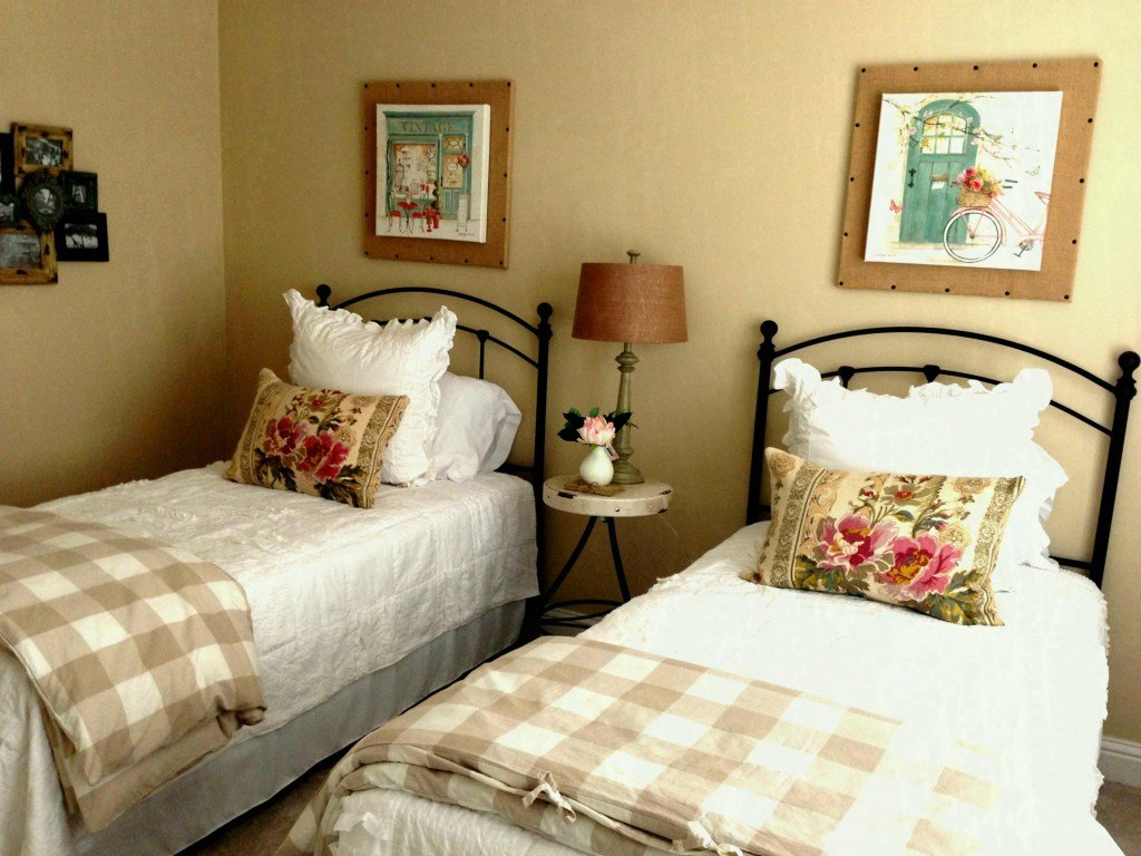 Best Approved Small Guest Bedroom Ideas Interior Complete With Pictures