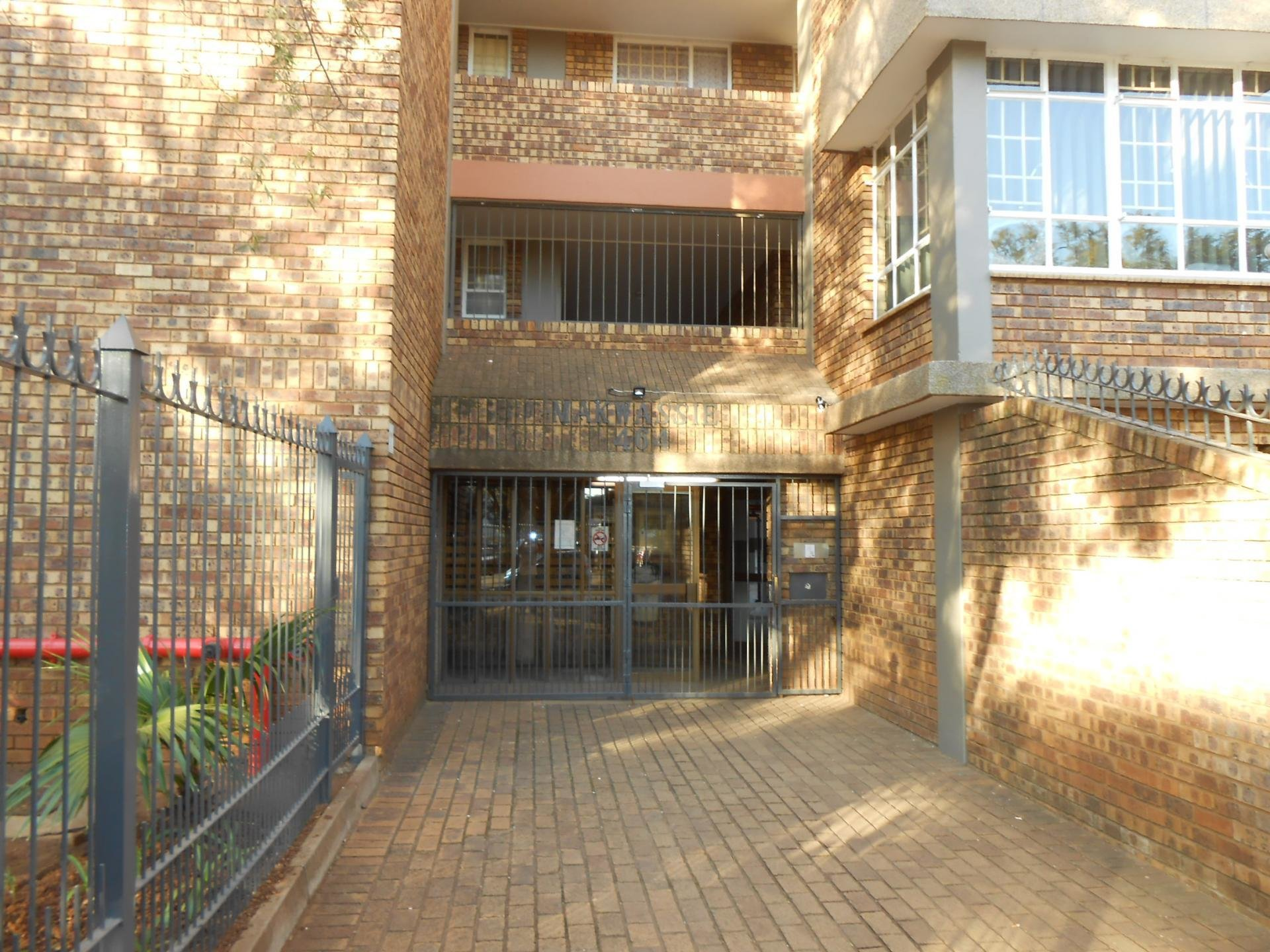 Best 2 Bedroom Apartment For Sale And To Rent For Sale In Hatfield Private Sale Mr111691 Myroof With Pictures