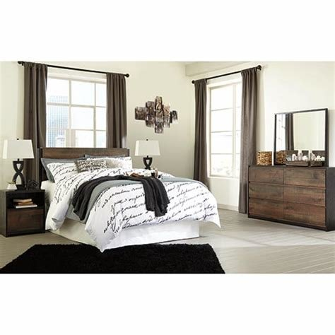 Best Rent Ashley Windlore 5 Piece Queen Bedroom Set With Pictures