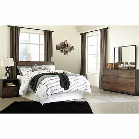 Best Rent Signature Design By Ashley Windlore Queen Bedroom Set With Pictures