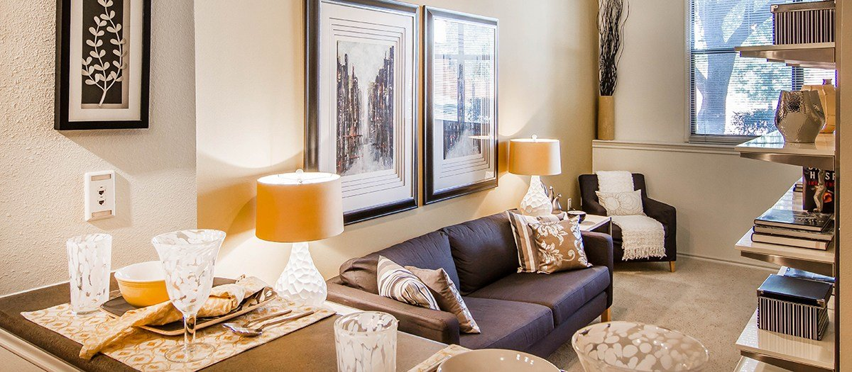 Best Post Uptown Village 949Sqft 1 Bedroom Dallas With Pictures