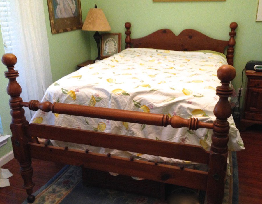 Best Davis Cabinet Company Bedroom Set Full Size Headboard And Footboard Two N My Antique With Pictures