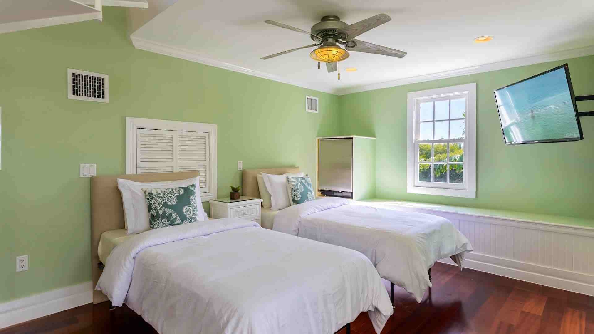 Best What Is The Best Ceiling Fan For A Bedroom Best Fireplace With Pictures