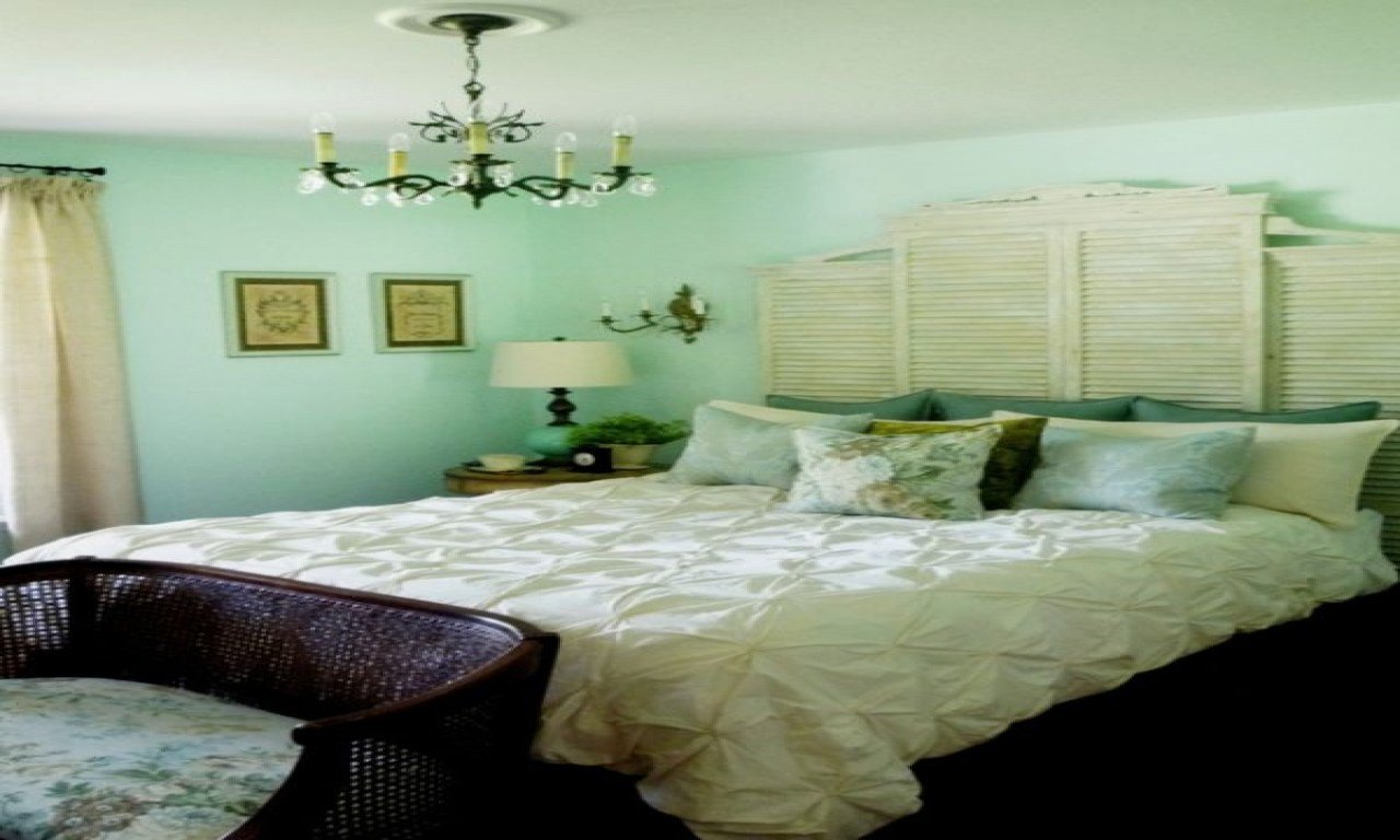 Best Green Bedroom Decorating Ideas Decorating A Mint Green With Pictures