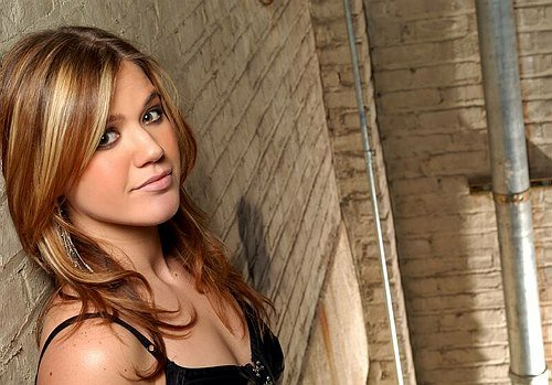 Free Vh 1 Soul Divas Ignores Legacy Artists For…Kelly Clarkson Wallpaper