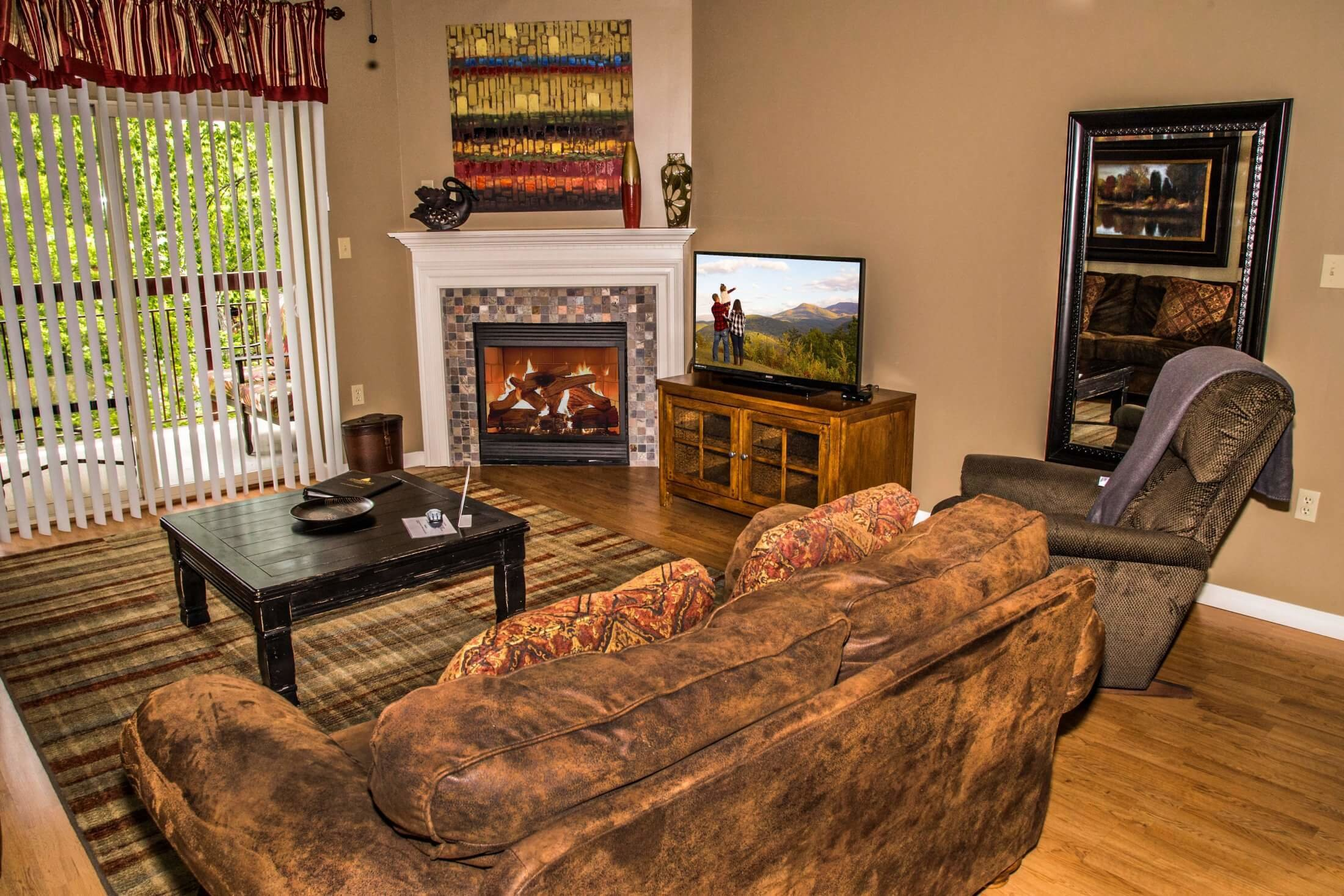 Best Suites In Pigeon Forge Tn With 2 Bedrooms Cedar Lodge With Pictures