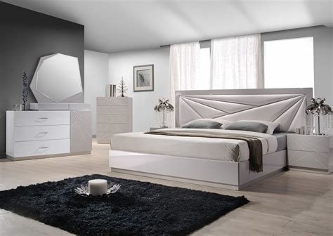 Best Furniture Stores European Style Modern Platform Bed Chicago With Pictures