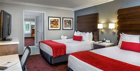 Best Anaheim Hotel Rooms And Suites Desert Palms Hotel Suites With Pictures