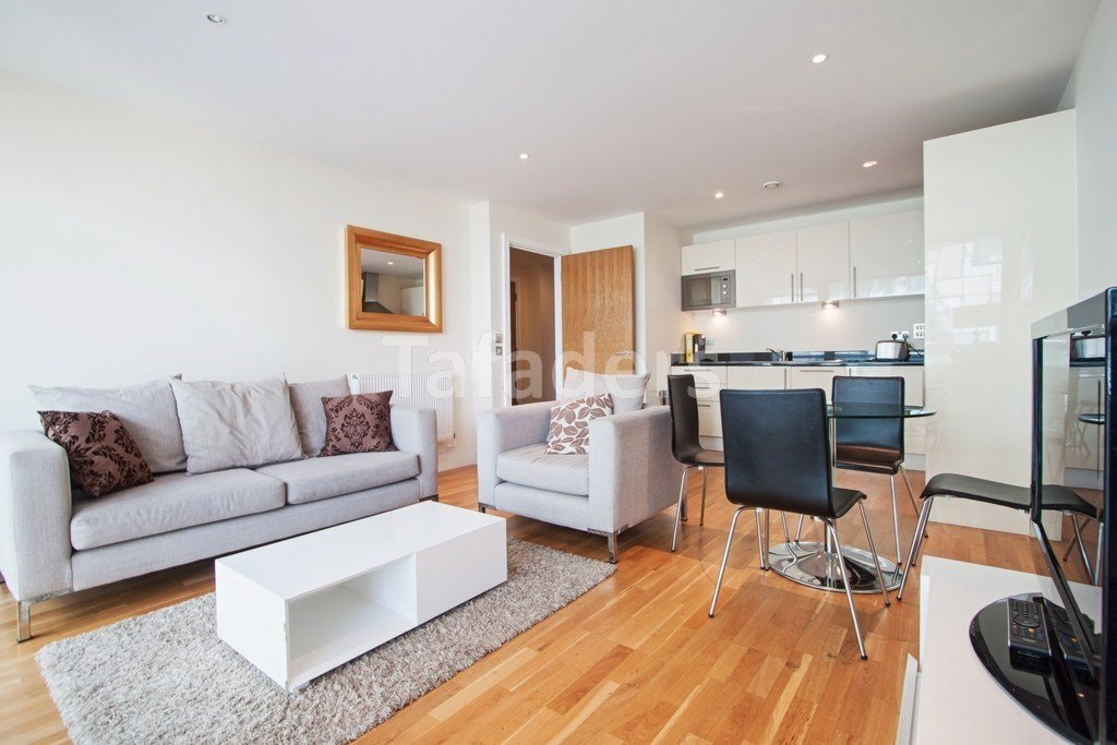 Best Property For Sale Millharbour Canary Wharf E14 1 Bedroom Flat Through Tafaders With Pictures