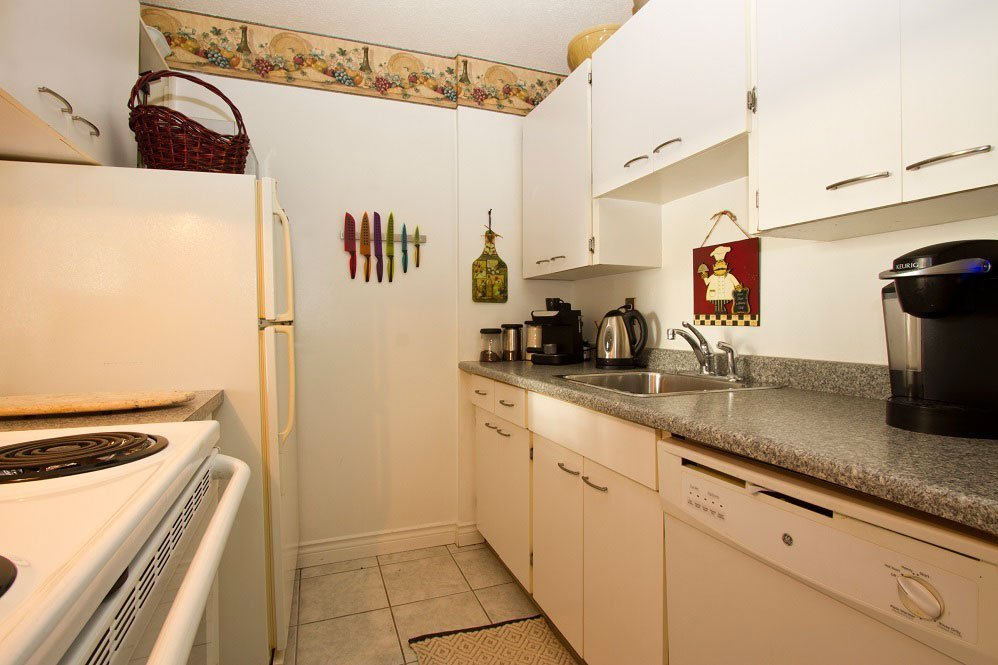 Best Barclay Tower 1 Bedroom West End Apartments Vancouver With Pictures