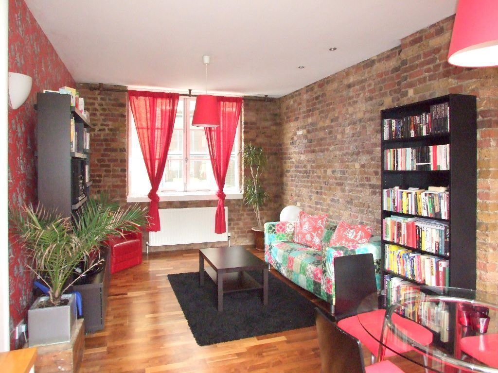 Best The Bedroom Warehouse Warehouse Conversions Into Living With Pictures