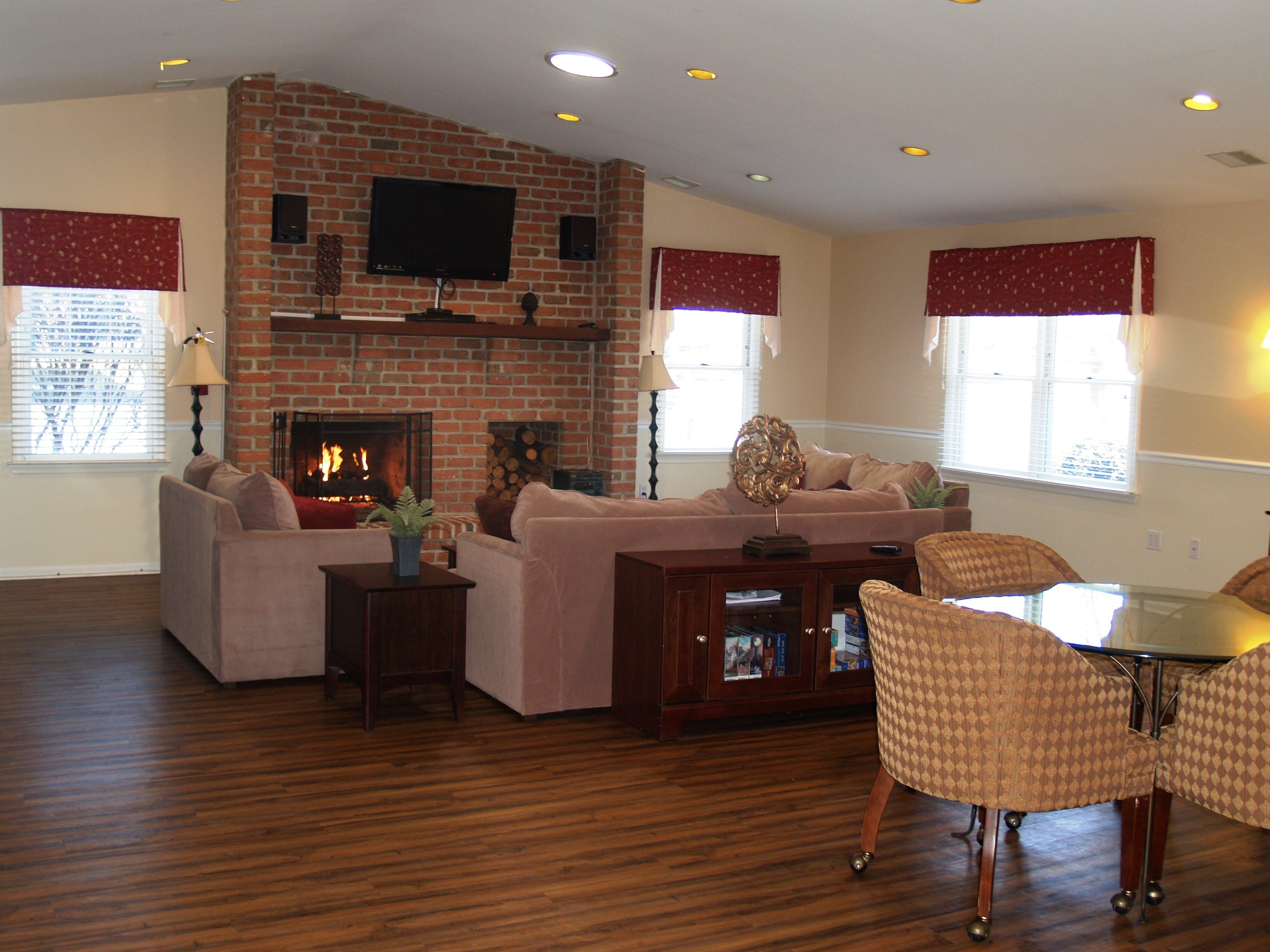 Best Apartment Cozy Home With Awesome 2 Bedroom Apartments In With Pictures