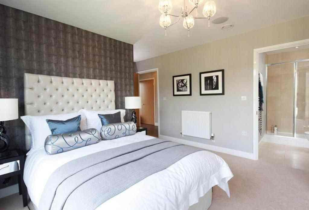 Best Comfortable Ensuite Bedroom Ideal For A Family With Pictures
