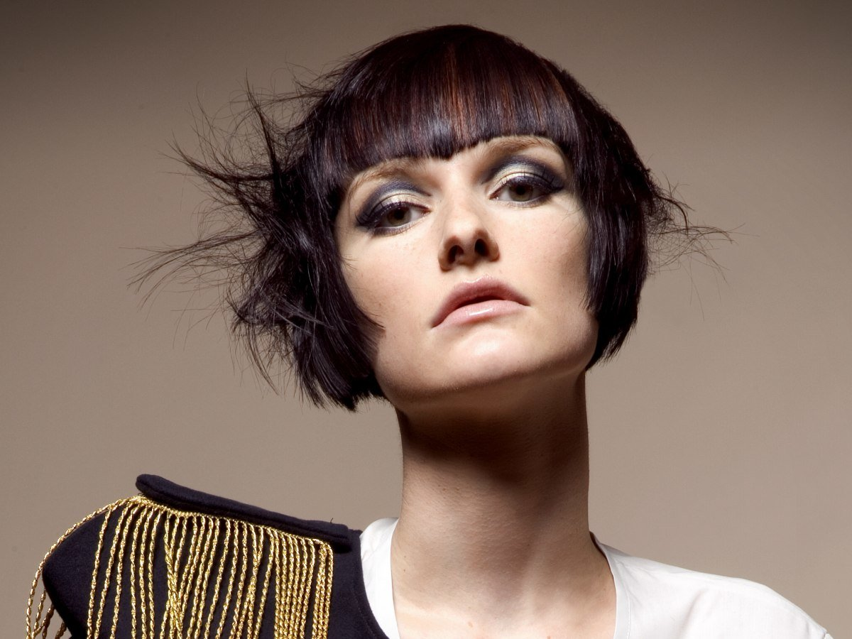 Free Carefree Short Hairstyle With Curved Sides To Highlight Wallpaper