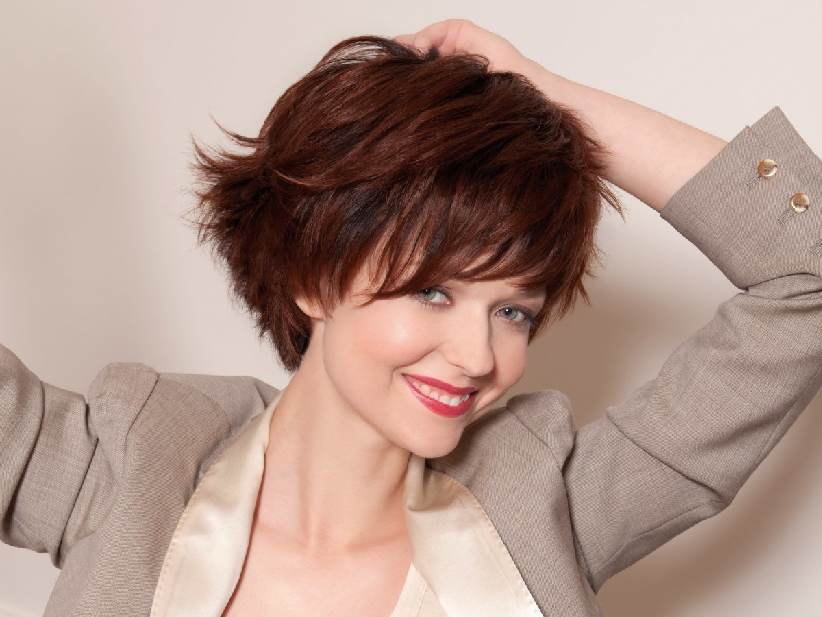 Free Dynamic And Youthful Short Hairstyle With A Steeply Wallpaper