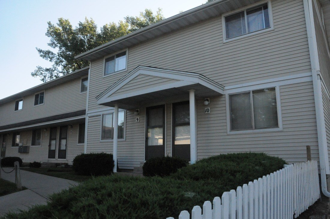 Best 2 Bedroom Townhouse Close To Uihc For Rent Iowa Medical With Pictures