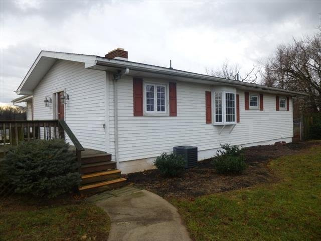 Best House For Rent In 1932 Old Lancaster Pike A Sinking Spring Pa With Pictures