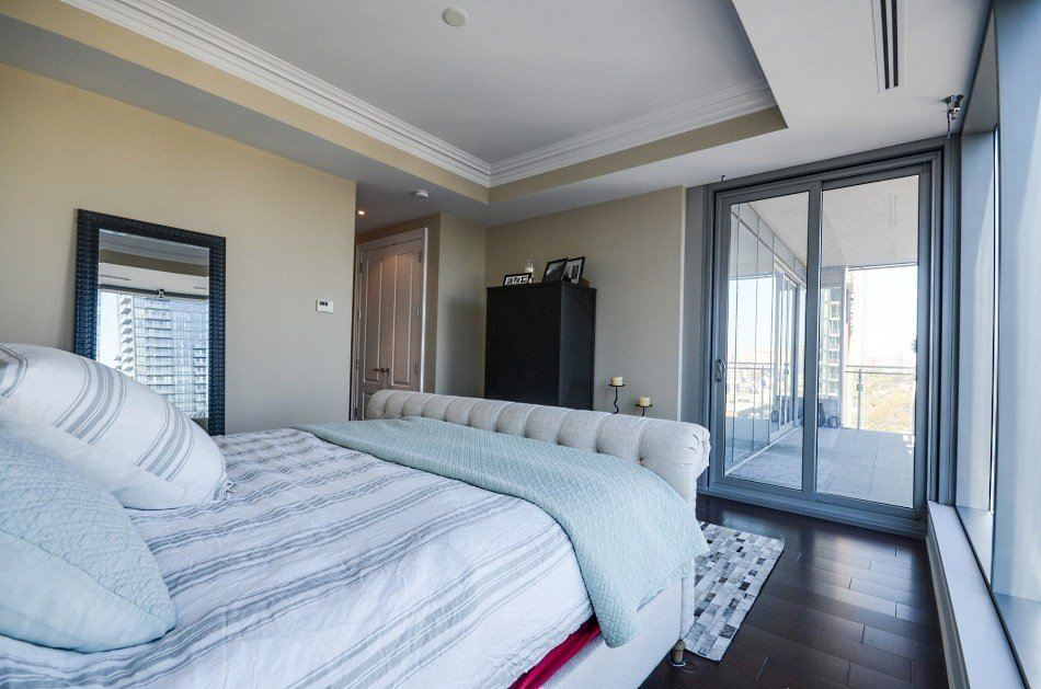 Best Four Seasons Luxury Condo Yorkville Toronto 2 Bedroom With 2 Car Parking Sold Yorkvillecondoblog With Pictures