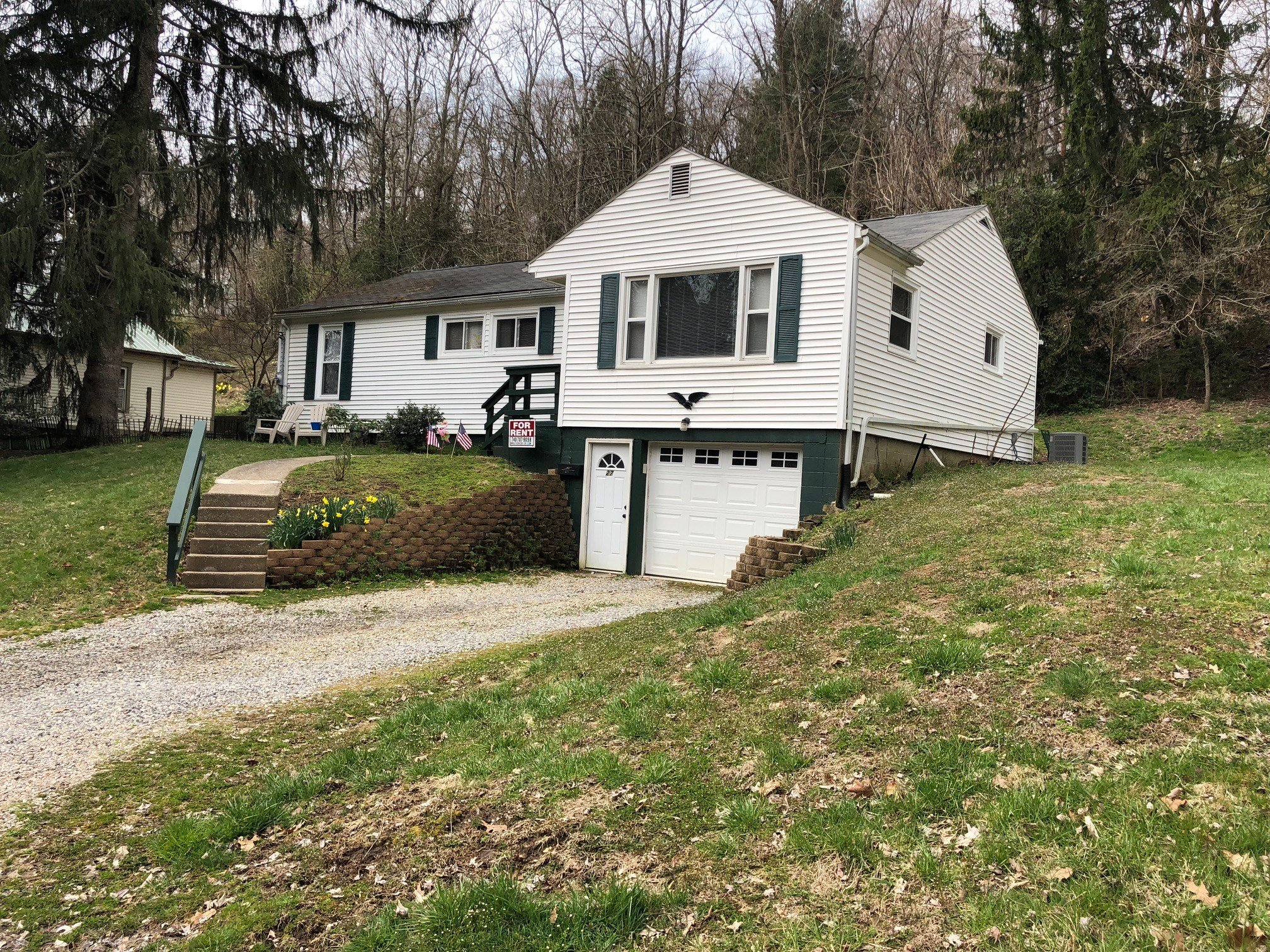 Best 27 Spring Street 4 Bedroom House For Rent In Athens Ohio – Lease Dates Are May 8 2022 Until May With Pictures