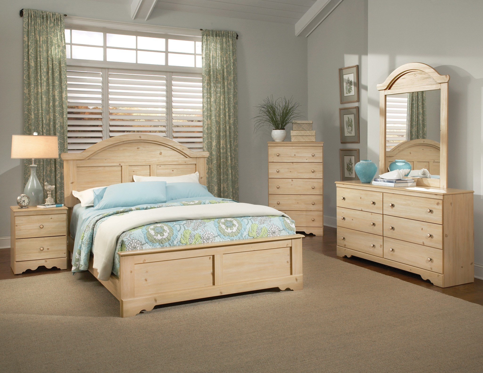 Best Pine Bedroom Furniture Sets Kith Perdido Light Pine With Pictures