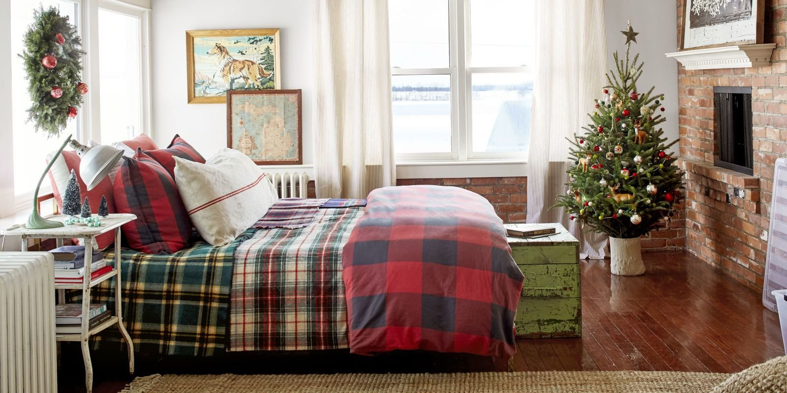 Best Christmas Bedroom Decorating Ideas Farmhouse Christmas With Pictures