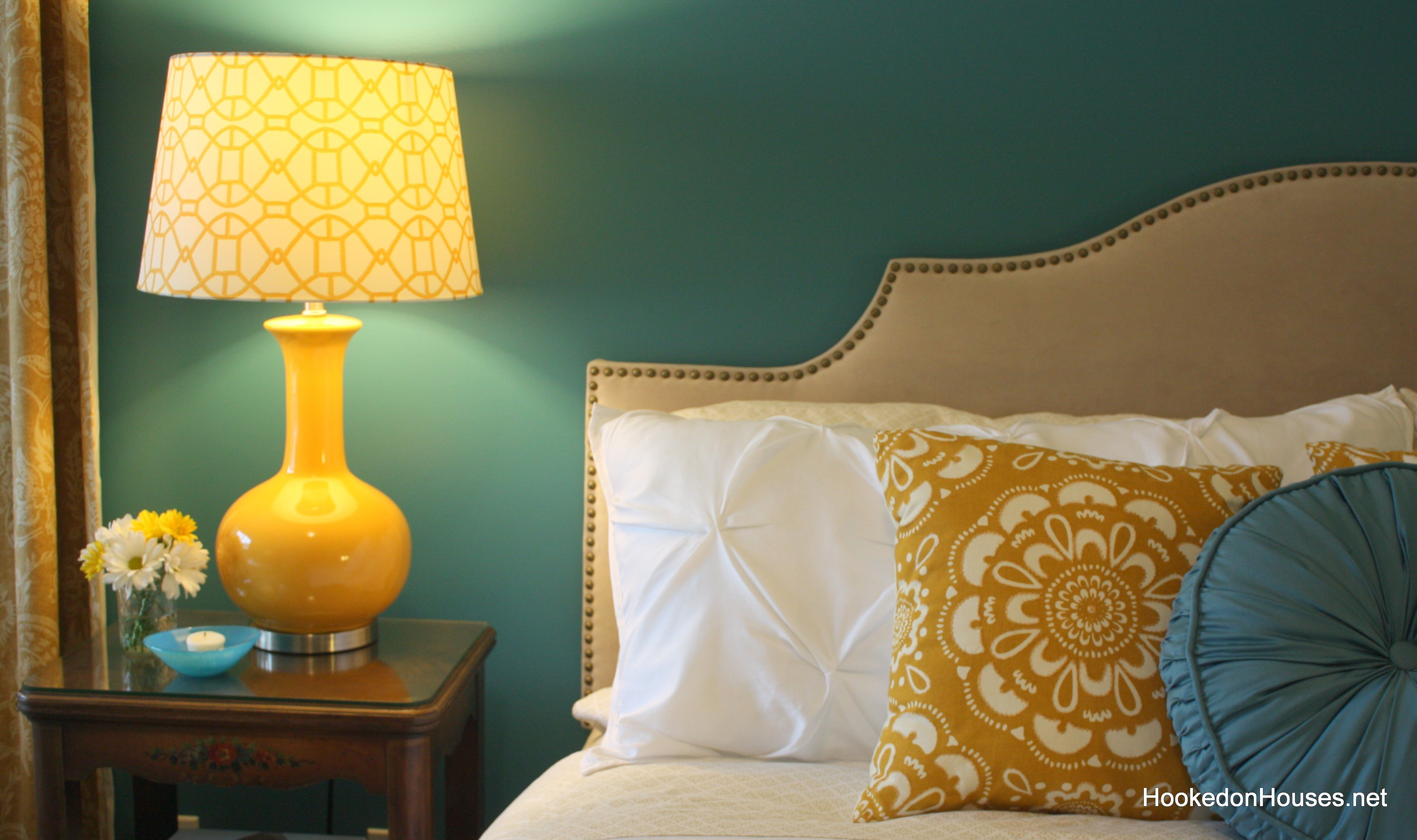 Best Yellow Lamp Bedroom 2 Hooked On Houses With Pictures
