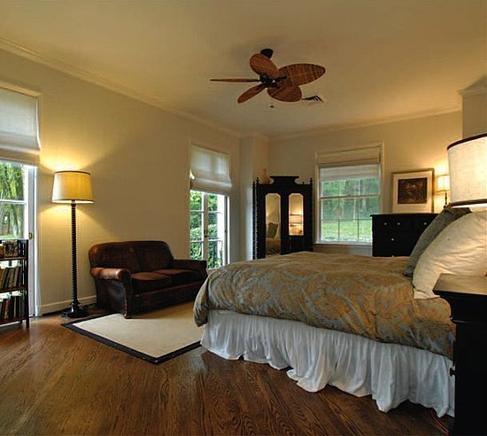 Best Bedroom Suite In Taylor Swift New House Home Trendy With Pictures