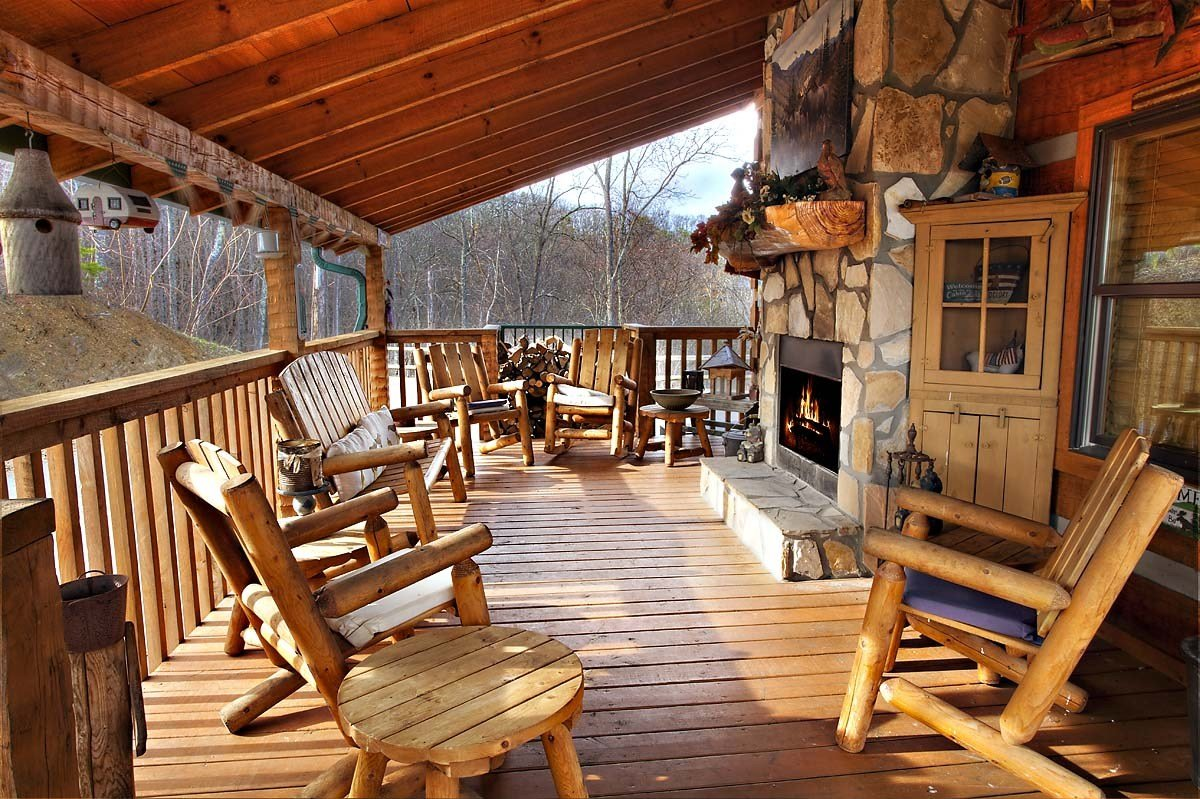 Best 4 Bedroom Sleeps 12 Bullwinkle By Large Cabin Rentals With Pictures