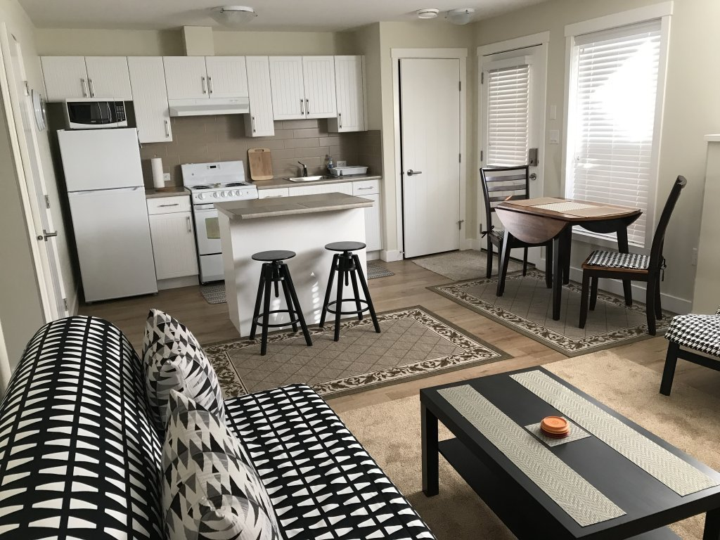Best Clean Fully Furnished 1 Bedroom Basement Suite In With Pictures