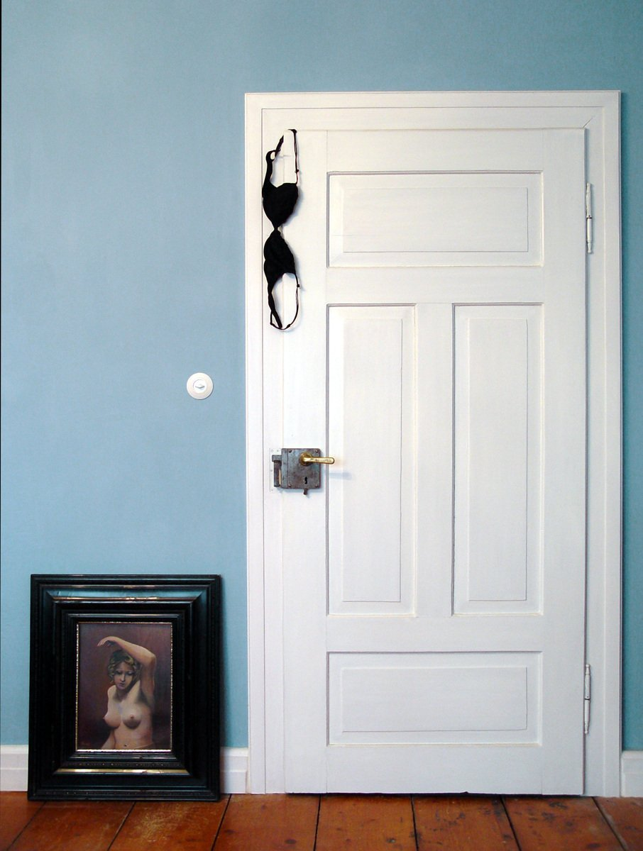 Best Behind Bedroom Doors Iii Photo File 1234193 With Pictures