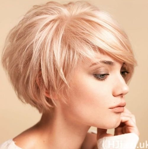 Free 40 Layered Bob Styles Modern Haircuts With Layers For Any Wallpaper