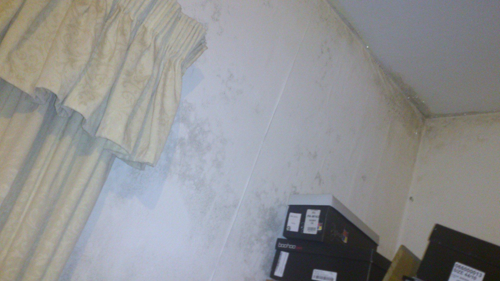 Best Www Ultimatehandyman Co Uk • View Topic Bedroom Damp On Wall With Pictures