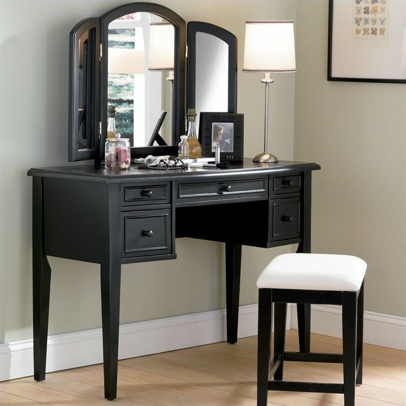 Best Bedroom Vanities Buying Guide Bedroom Furniture With Pictures