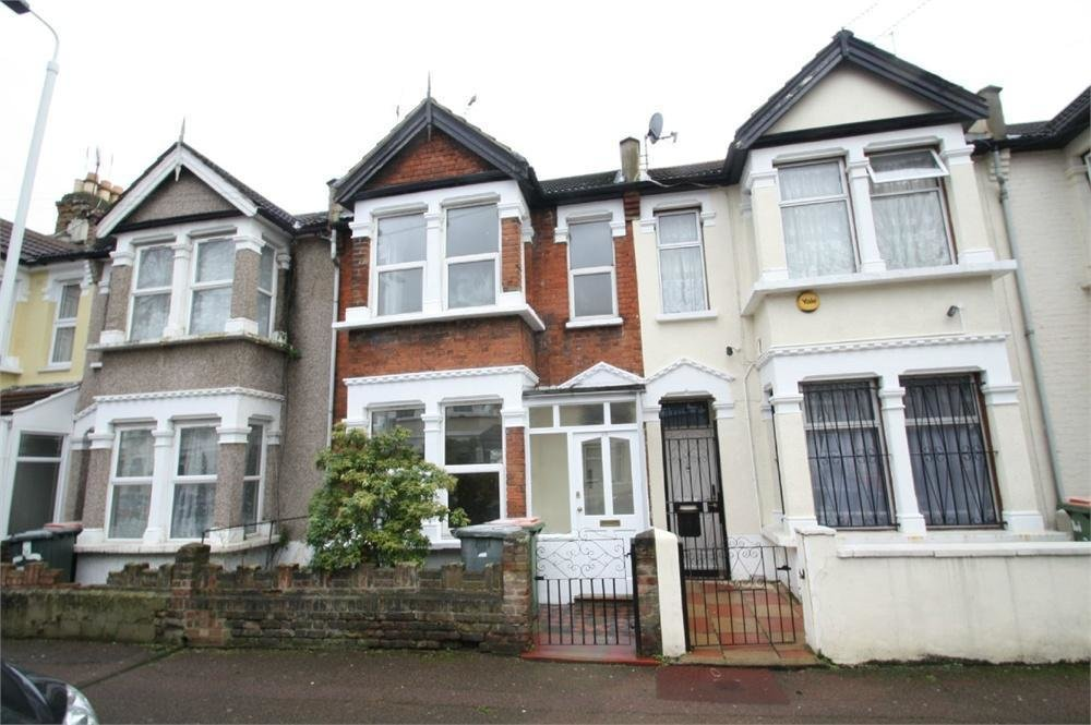 Best 3 Bedroom Terraced House To Rent In Streatfield Avenue East Ham London E6 With Pictures