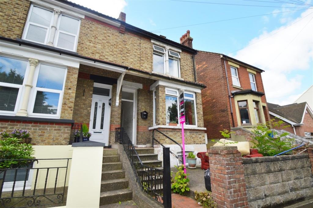 Best 1 Bedroom Flat For Sale In Capstone Road Chatham Me5 With Pictures