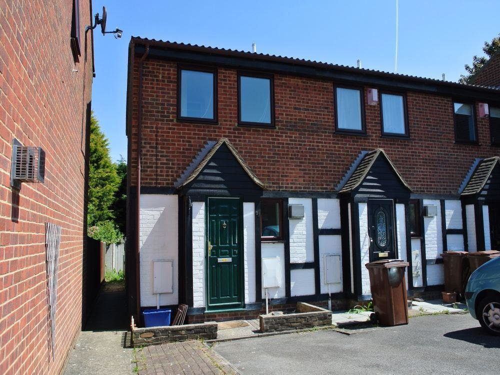 Best 2 Bedroom Houses To Rent In Gillingham Kent 2 Bedroom With Pictures