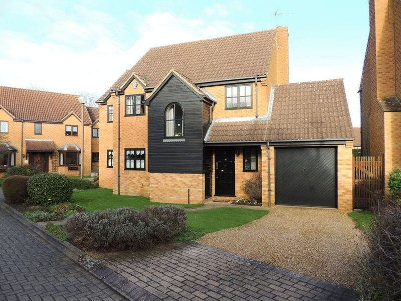 Best 3 Bedroom Detached House For Sale In Loughton Milton With Pictures