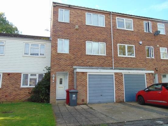 Best 3 Bedroom Town House For Sale In Tennyson Way Slough Berkshire Sl2 Sl2 With Pictures