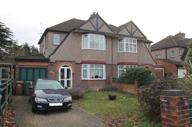 Best 3 Bedroom House For Sale In Kingston Road Staines Upon With Pictures