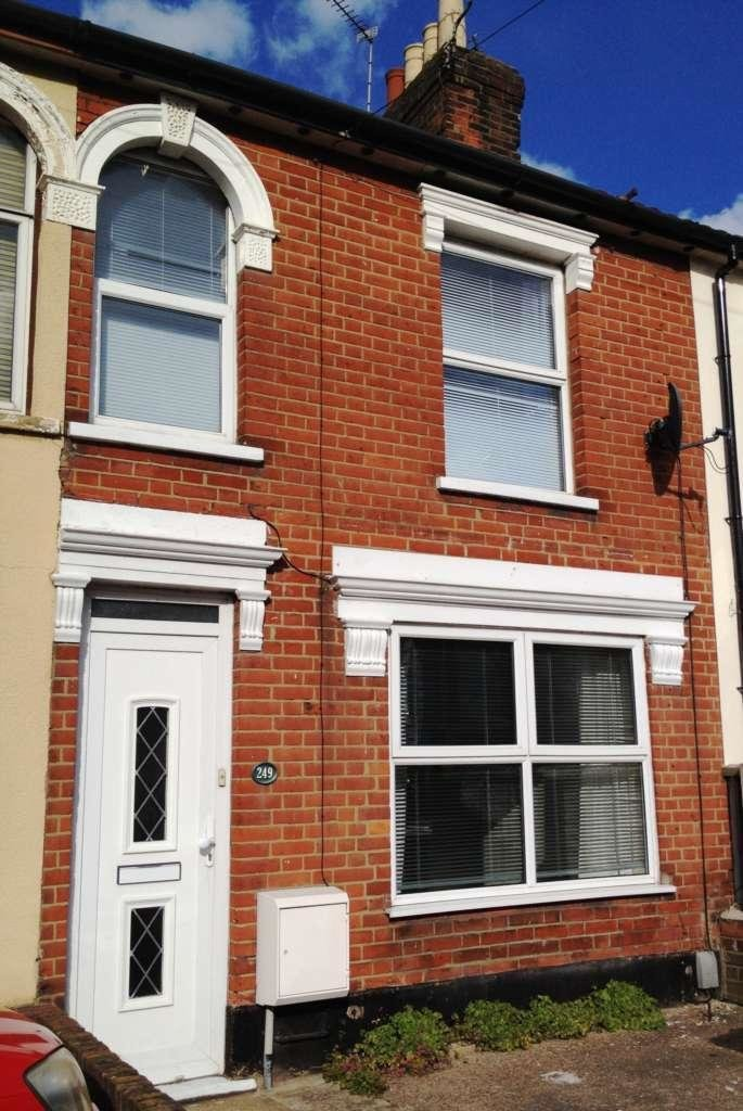 Best 3 Bedroom Terraced House To Rent In Foxhall Road Ipswich Ip3 With Pictures