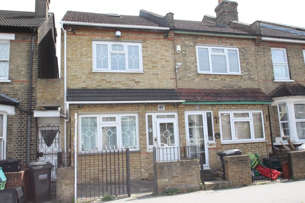 Best 3 Bedroom House For Sale In Benson Road Croydon Cr0 With Pictures