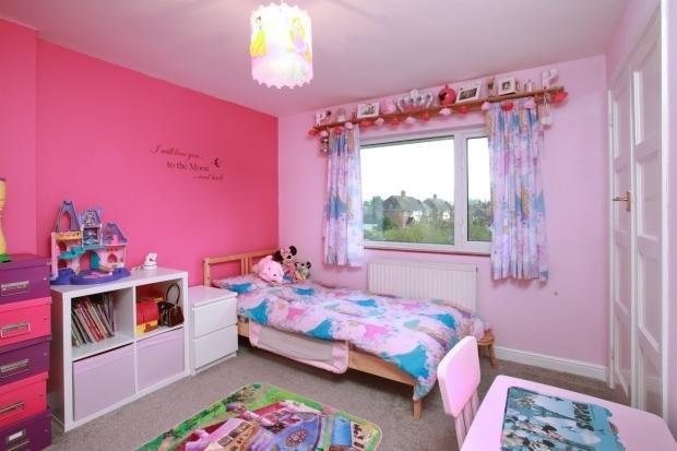 Best 3 Bedroom Semi Detached House For Sale In Sawkins Avenue With Pictures
