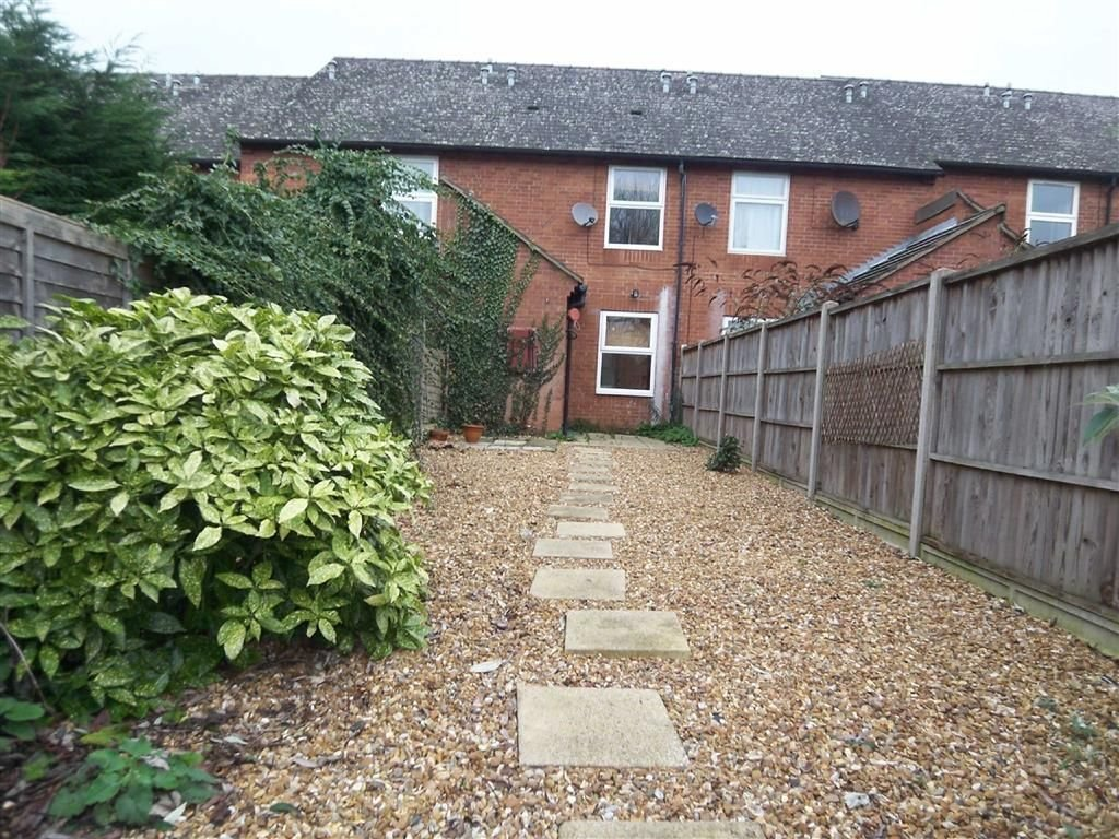 Best 2 Bedroom House To Rent In Nightingale Road Hitchin With Pictures
