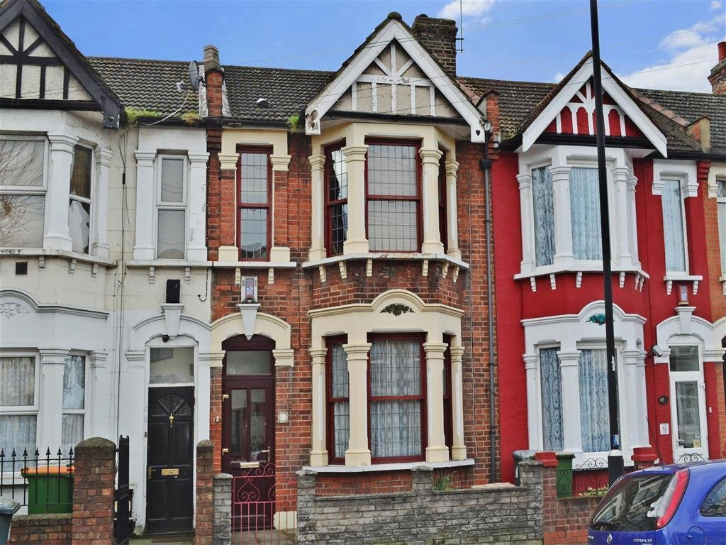 Best 3 Bedroom Terraced House For Sale In Lonsdale Avenue East Ham London E6 With Pictures
