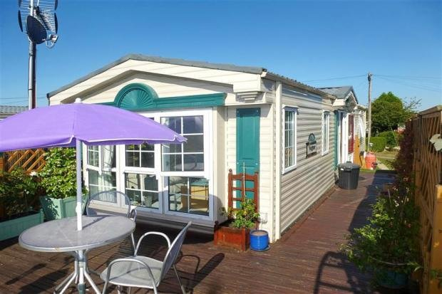 Best 2 Bedroom Detached House For Sale In Little Venice Yalding Maidstone Kent Me18 With Pictures
