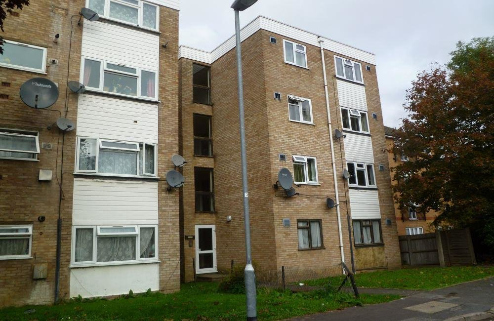 Best 1 Bedroom Flat To Rent In Wivenhoe Court Staines Road With Pictures