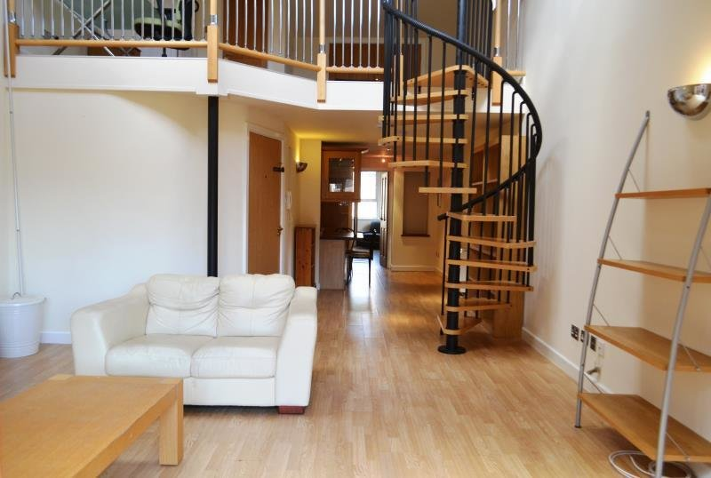 Best 2 Bedroom Flat To Rent In The P*Nth**S* Finelook Studios With Pictures
