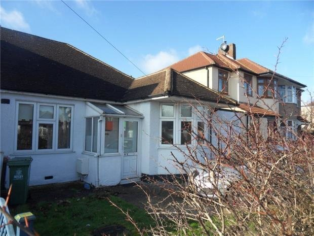 Best 2 Bedroom Bungalow To Rent In Lingfield Crescent Falconwood Eltham Se9 Se9 With Pictures